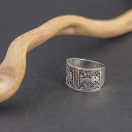 Srebrny pierścionek ze złotem 18K (rozm.17)