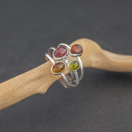 Srebrne pierścionki z turmalinem (rozm.19)