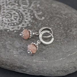 Srebrne kolczyki z kamieniem księżycowym
