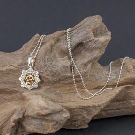 Srebrny wisiorek z balijskim symbolem Om