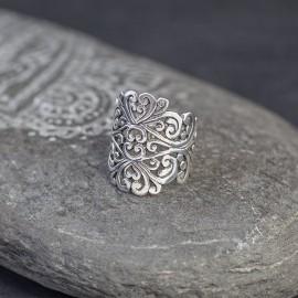 Srebrny ażurowy pierścionek (rozm.14,16)