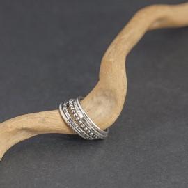 Srebrny ozdobny pierścionek (rozm.17)