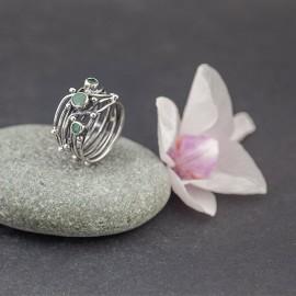 Srebrny pierścionek ze szmaragdami (rozm.13)