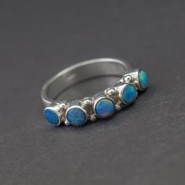 Srebrny pierścionek z opalami (rozm.19)