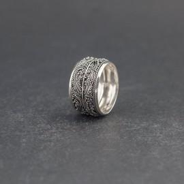 Srebrny ozdobny pierścionek (rozm.22)