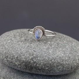 Srebrny pierścionek z kamieniem księżycowym (rozm.19)