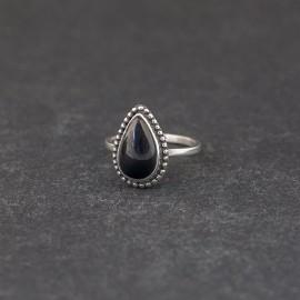 Srebrny pierścionek z onyksem (rozm.13)