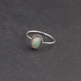 Srebrny pierścionek z opalem (rozm.12)