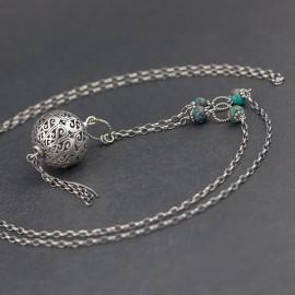 Srebrny naszyjnik z kamieniami turkusu
