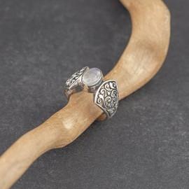Srebrny pierścionek z kamieniem księżycowym (rozm.16)