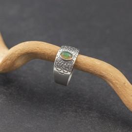 Srebrny pierścionek z opalem (rozm.20)