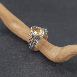 Srebrny pierścionek z cytrynem (rozm.14)