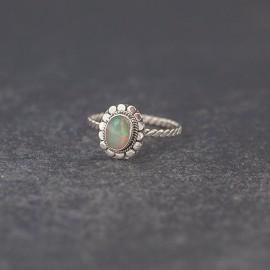 Srebrny pierścionek z opalem (rozm.14)