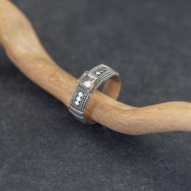 Srebrny pierścionek z cyrkonią i złotem 18K (rozm.12)