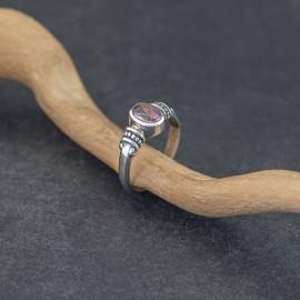 Srebrny pierścionek z ametystem (rozm.15)