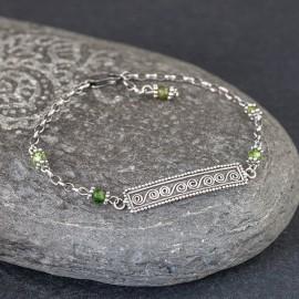 Srebrna bransoletka z zielonym turmalinem