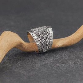 Srebrny pierścionek w stylu etno (rozm.19)