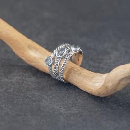 Srebrny pierścionek z topazami (rozm.14)