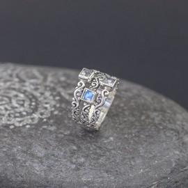 Srebrny pierścionek z labradorytem (rozm.19)