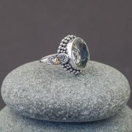 Srebrny pierścionek z zielonym ametystem i złotem 18K (rozm.20)