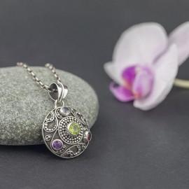 Srebrny wisiorek z kamieniami naturalnymi