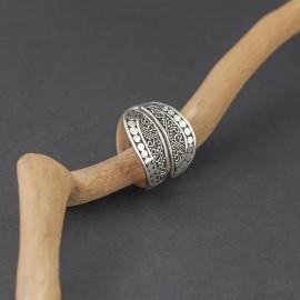 Srebrny pierścionek w stylu etno (regulowany)