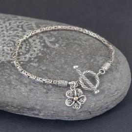 Srebrna bransoletka z kwiatkiem frangipani