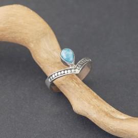 Srebrny pierścionek z larimarem (rozm.19)