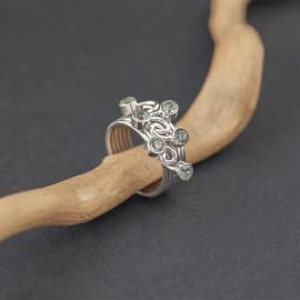 Srebrny pierścionek z kamieniami topazu (rozm.20)