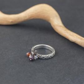 Srebrny pierścionek z kamieniami naturalnymi (rozm.14)