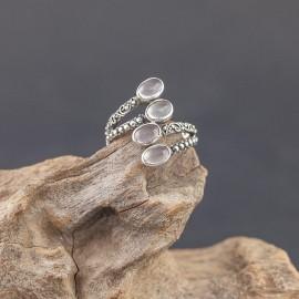 Srebrny pierścionek z kwarcem różowym (rozm.15)