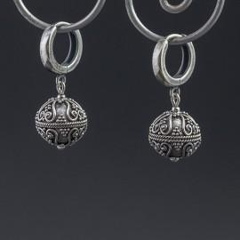 Srebrne kolczyki w stylu orientalnym
