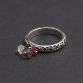 Srebrny pierścionek z granatem, kwarcem dymnym i kamieniem księżycowym (rozm.16)