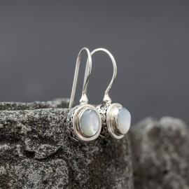 Kolczyki z stylu retro z masą perłową