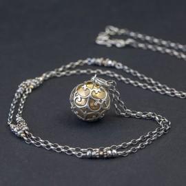 Srebrny naszyjnik z dzwoniącą kulą i hematytem