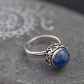 Srebrny pierścionek z szafirem (regulowany)