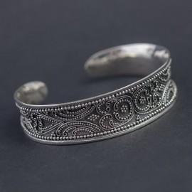 Srebrna bransoleta bangla w orientalnym stylu