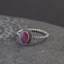 Srebrny pierścionek z rubinem (rozm.12)