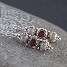Srebrne kolczyki z granatem i kamieniem księżycowym
