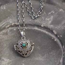 Srebrny naszyjnik z dzwoniącą kuleczką i turkusem
