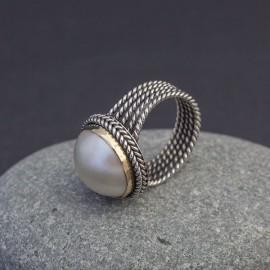 Srebrny pierścionek z perłą (rozm.14)