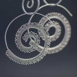Ażurowe kolczyki w orientalnym stylu