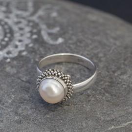 Srebrny pierścionek z perłą (regulowany)