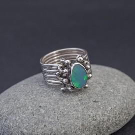 Srebrny pierścionek z opalem (rozm.16)
