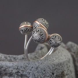 Srebrny pierścionek z 18K złotem (regulowany)