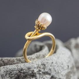 Pozłacany pierścionek z perłą