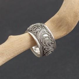 Obrączka srebrna w orientalnym stylu (rozm.17)