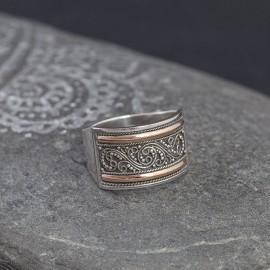 Srebrny pierścionek ze złotem 18K (rozm.19)
