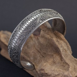Srebrna bransoletka ręcznie zdobiona