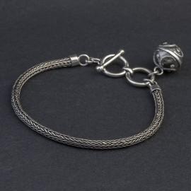 Srebrna bransoletka z dzwoniącą kuleczką bali